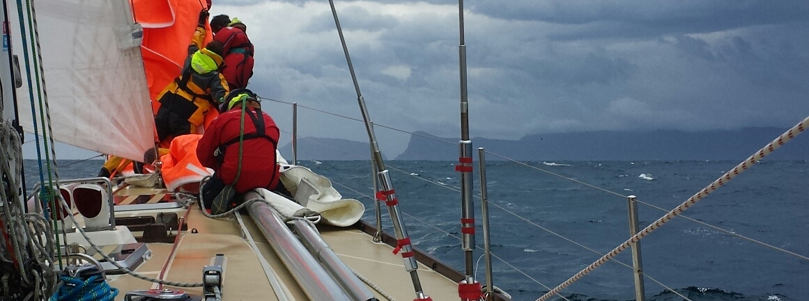 Clipper Ventures 10 hit by cold front in final 45 miles to Hobart