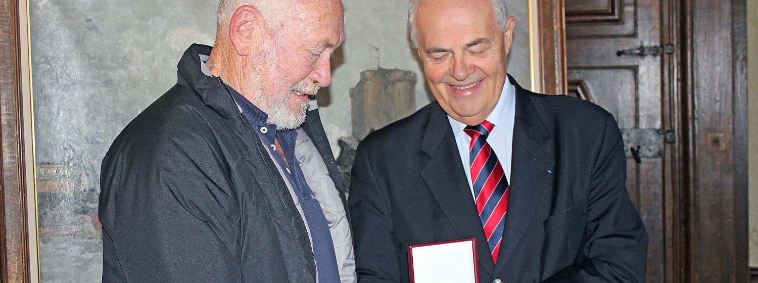 ​  Sir Robin Knox-Johnston and the Mayor of Saint Malo, Claude Renoult