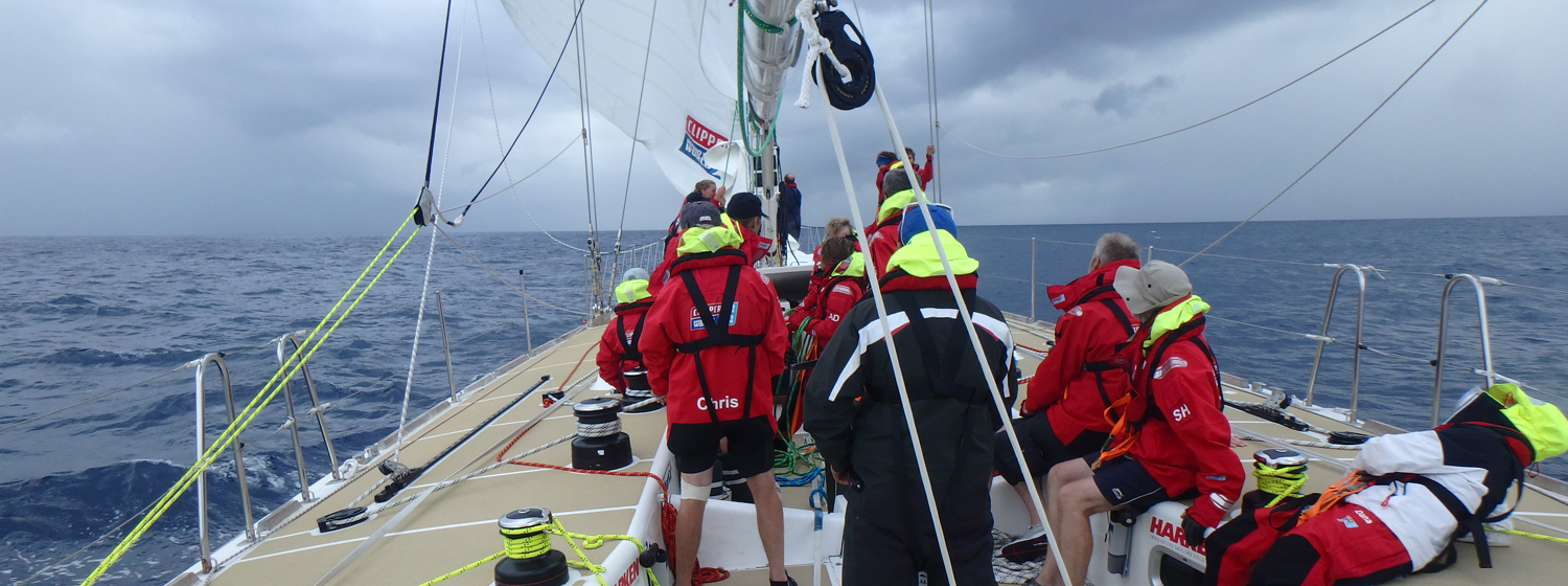 Race 1 Day 22: Careful trimming and helming key in Ocean Sprint phase